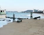Di dời sà lan gây nguy hiểm cho bãi biển Nha Trang