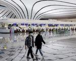 Sân bay khắp thế giới vắng hoe vì dịch bệnh COVID-19