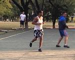 Ronaldinho ghi 5 bàn khi đá futsal ở trong tù tại Paraguay