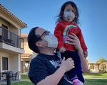 Cách ly sau khi sơ tán từ Vũ Hán, hai cha con Mỹ