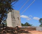 Yêu cầu tháo dỡ cầu đáy kính xây
