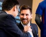 Messi cùng đồng đội chịu giảm lương để giúp Barca vượt qua dịch COVID-19