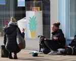 Gần 3/4 người dân nhóm nước giàu G7 lo nghèo đi vì COVID-19