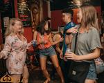 Sao có thể đặt tên quán bar là Phật?