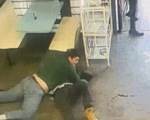Video: Tên bắt cóc nguy hiểm bị nhà vô địch thiếu niên môn vật ở Mỹ hạ