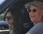 Vợ chồng Tom Hanks về Mỹ sau khi nhiễm COVID-19, khỏe mạnh và vẫn cách ly