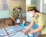 Bắt giữ hơn 30.000 khẩu trang y tế, 2.300 chai gel rửa tay