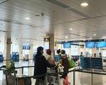 Giá vé máy bay tăng gấp 4 lần giữa dịch COVID-19, vì sao?