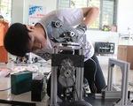 Nhiều sáng kiến hữu ích mùa COVID-19: Robot khử khuẩn phòng cách ly