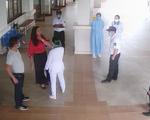 Đấm vào mặt bảo vệ bệnh viện khi được yêu cầu đo thân nhiệt sàng lọc COVID-19