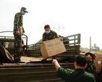 Quân khu 5 tặng 4,7 tỉ đồng vật tư y tế giúp Lào, Campuchia chống COVID-19
