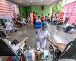 Miss Charm International Quỳnh Nga cùng hàng trăm bạn trẻ hiến máu mùa COVID-19
