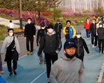 Người dân đổ xô đi du lịch, Hàn Quốc lại lo vỡ trận