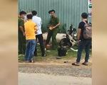 2 thiếu niên 17 tuổi giật điện thoại, xịt hơi cay khiến một người té xe chết ở Hóc Môn