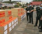 Quân khu 7 bàn giao 80.000 khẩu trang cho quân đội, Việt kiều Campuchia