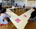 Dịch COVID-19 ngày 15-5: Mỹ hướng dẫn mở cửa trường học, nơi làm việc