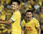 """Đỗ Merlo """"nổi khùng"""" với cựu tuyển thủ U23 Việt Nam vì thi đấu quá cá nhân"""