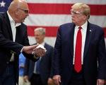 Ông Trump giải thích việc không đeo khẩu trang khi thăm nhà máy