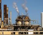 FED: Tình trạng dư thừa dầu mỏ toàn cầu sẽ kéo dài đến năm 2021