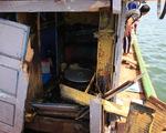 Trình báo việc tàu Trung Quốc truy đuổi, đâm hỏng tàu, đánh ngư dân Việt ở Hoàng Sa