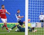 Thua ngược Brighton phút cuối, Arsenal cạn hi vọng vào tốp 4