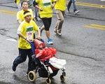 Bức thư đẫm lệ của người cha 5 năm đẩy con trai bại não dự 40 giải marathon để tìm điều kỳ diệu