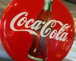 Vì sao Coca-Cola tạm ngừng quảng cáo trên mạng xã hội?