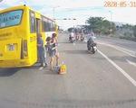 Tước bằng lái 2 tháng tài xế xe buýt trả khách giữa quốc lộ 1