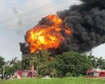 Kho hóa chất tại Hà Nội cháy dữ dội