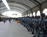 Trung Quốc khoe điều hàng ngàn binh sĩ, xe bọc thép tới gần biên giới Ấn Độ