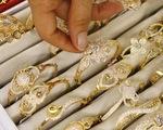 Vàng lên gần 50 triệu đồng/lượng, giá vàng nhẫn vượt vàng miếng