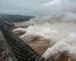 Nước lũ lớn kinh hoàng đổ về đập Tam Hiệp, vượt cảnh báo 15 mét