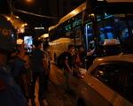 Nhân viên Bệnh viện Đà Nẵng được đưa đi cách ly ở khách sạn ven biển