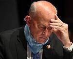 Thêm một nghị sĩ dương tính, Hạ viện Mỹ bắt buộc đeo khẩu trang