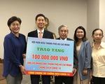 Hội Hàn Kiều TP.HCM trao 100 triệu đồng ủng hộ người dân bị ảnh hưởng bởi COVID-19