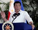 Tổng thống Philippines khuyên dùng xăng dầu để khử trùng khẩu trang