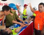 Nhiều VĐV ngất xỉu tại giải marathon ở Lý Sơn, 2 người phải đưa vào bờ cấp cứu