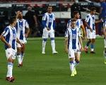 Suarez ghi bàn duy nhất, Barcelona tiễn 'hàng xóm' Espanyol xuống hạng