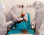 Bác sĩ Chợ Rẫy ở tâm dịch: Có đồng nghiệp chăm sóc ba rồi, tôi yên tâm ở lại cứu người