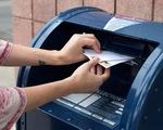 Bỏ phiếu qua thư hâm nóng bầu cử Mỹ