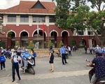 Cấm thì cấm, một trường ở Biên Hòa vẫn bắt 800 học sinh đi học