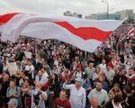 Biểu tình lớn ở thủ đô Belarus đòi Tổng thống Lukashenko từ chức, cảnh sát dày đặc