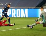 Những khoảnh khắc Neuer cứu thua xuất thần giúp Bayern vô địch