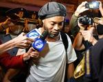 Ronaldinho được Paraguay trả tự do