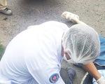 Tiếng nổ lớn phát ra từ đống rác cháy bên đường, một phụ nữ tử vong