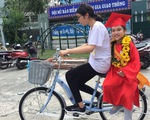 Nhận phần thưởng chiếc xe đạp tiền triệu, cô bạn lớp 3 tặng lại học sinh nghèo