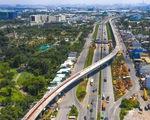 Xây dựng thành phố Thủ Đức: Người dân đi lại bằng giao thông công cộng