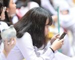 Tranh cãi ở các nước về việc cho học sinh dùng điện thoại trong lớp