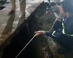 Vụ người phụ nữ sụp xuống mương: Mở rộng tìm kiếm ra khu vực suối xung quanh