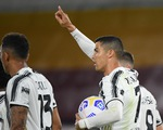 Ronaldo lập cú đúp cứu Juve trên sân khách AS Roma